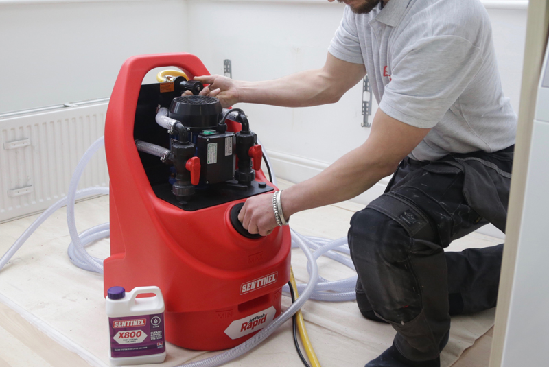 VIDEO GUIDE: Powerflushing a central heating system - PHPI Online
