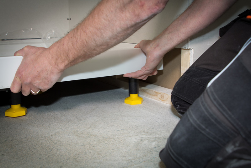 VIDEO GUIDE: Installing a Coram riser tray