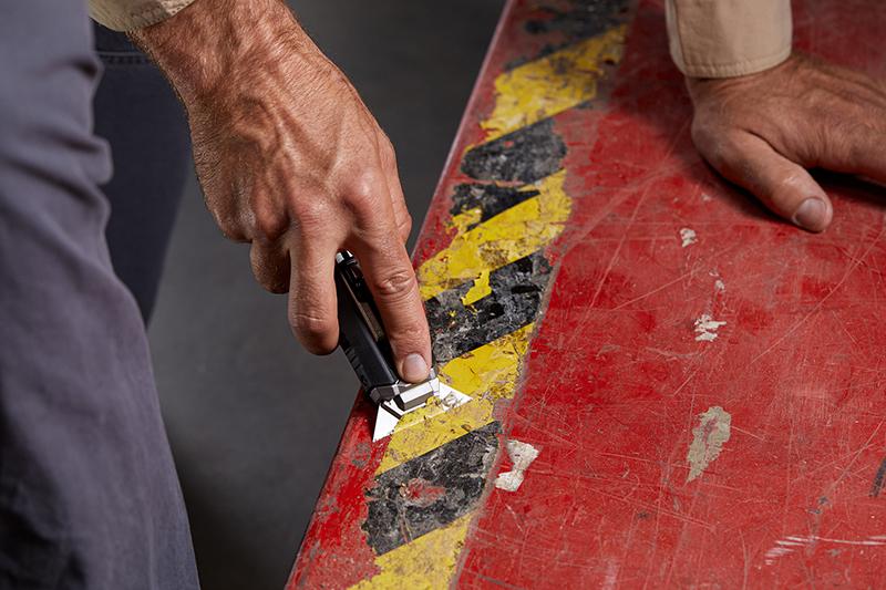 WATCH: ToughBuilt | Scraper Utility Knife