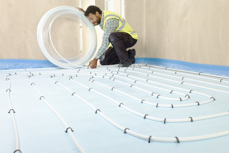 Combining heat pumps with UFH