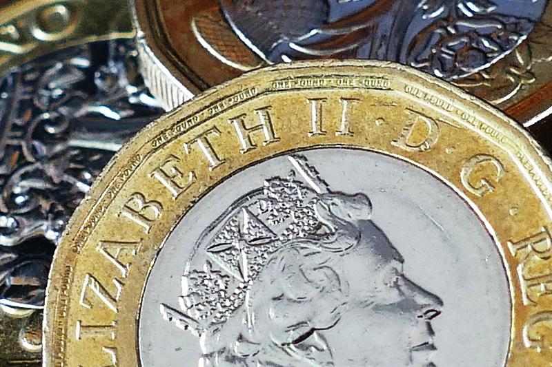 Plumbers' earnings drop, according to latest figures