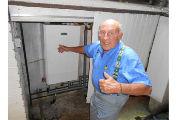 Sir Stirling Moss puts Keston Boilers in pole position