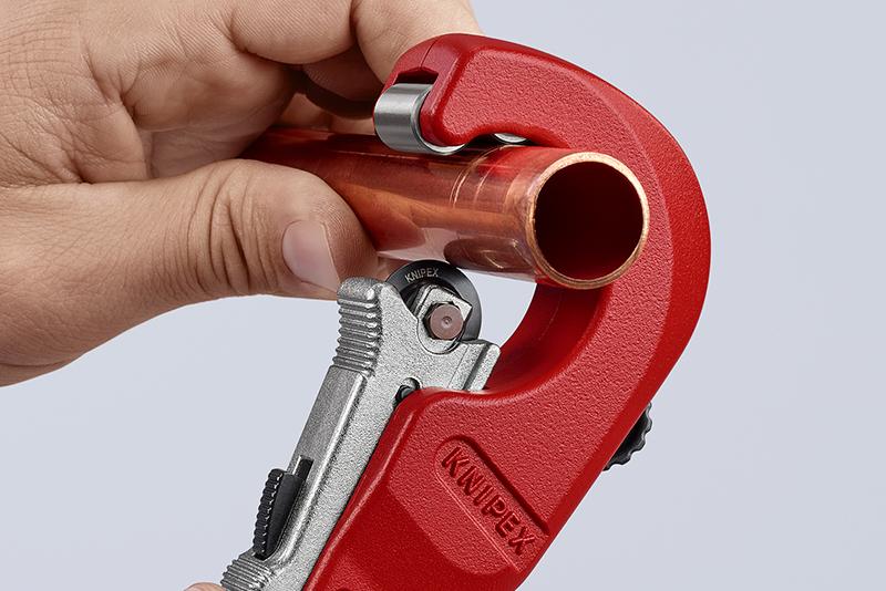 WATCH: KNIPEX TubiX pipe cutter demo